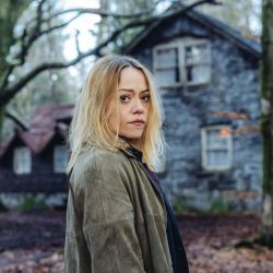 Hidden, protagonizada por la galesa Sian Reese-Williams, es una de sus próximas novedades.