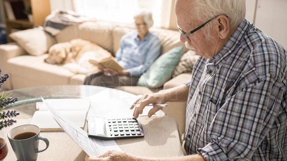 Jubilados calculando haberes 20200907