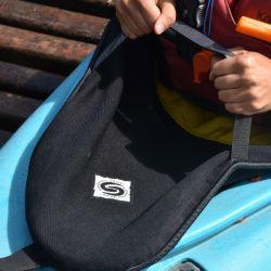 La importancia de usar cobrecockpit en el kayak.