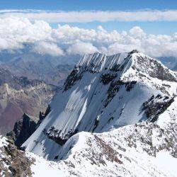 Las empresas a cargo de la logística del ascenso al cerro señalaron que están esperando que desde Salud y Turismo emitan su opinión.