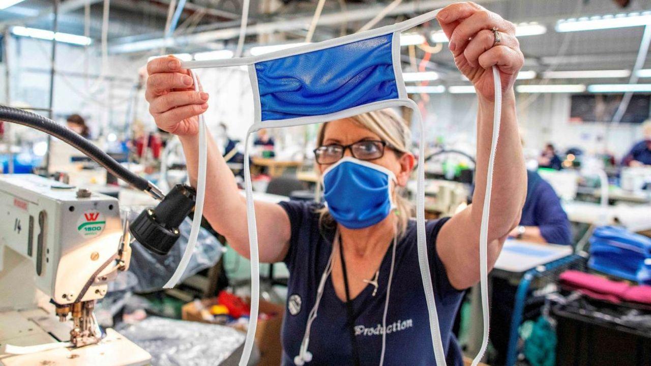 La industria textil logró con los tapabocas atenuar las pérdidas en 2020.  | Foto:CEDOC