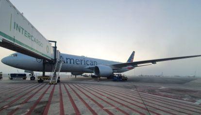 El primer vuelo de AA aterizó hoy procedente de Miami