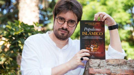 Antonio De Diego, conferencista en Harvard, musulmán converso y director del portal Ver Islam