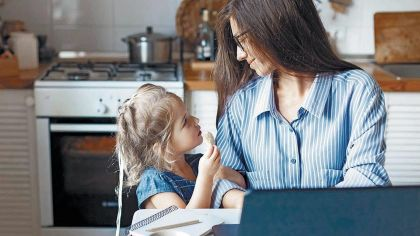 20200913_madre_teletrabajo_home_office_shutterstock_g