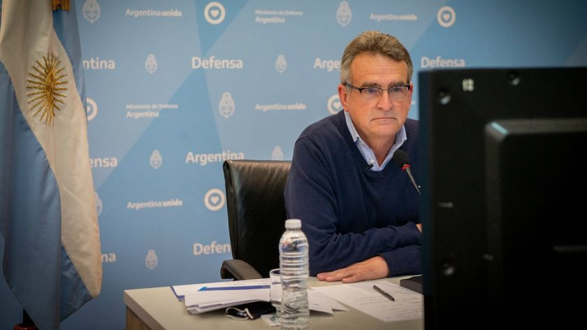 "Rossi advirtió que Macri ""reafirma el carácter destituyente de la oposición que solamente él lidera"""