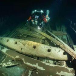 Se cree que el único daño que tiene fue provocado como consecuencia del arrastre de las aguas del mar Báltico.