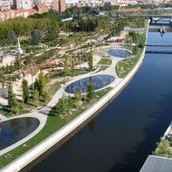 Madrid Río es un gran espacio verde integrado a la ciudad con mucho para ofrecer al visitante.