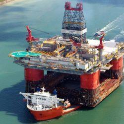 El Blue Marlin fue construido en las instalaciones del astillero China Shipbuilding Corporation, en Taiwán en 1999.