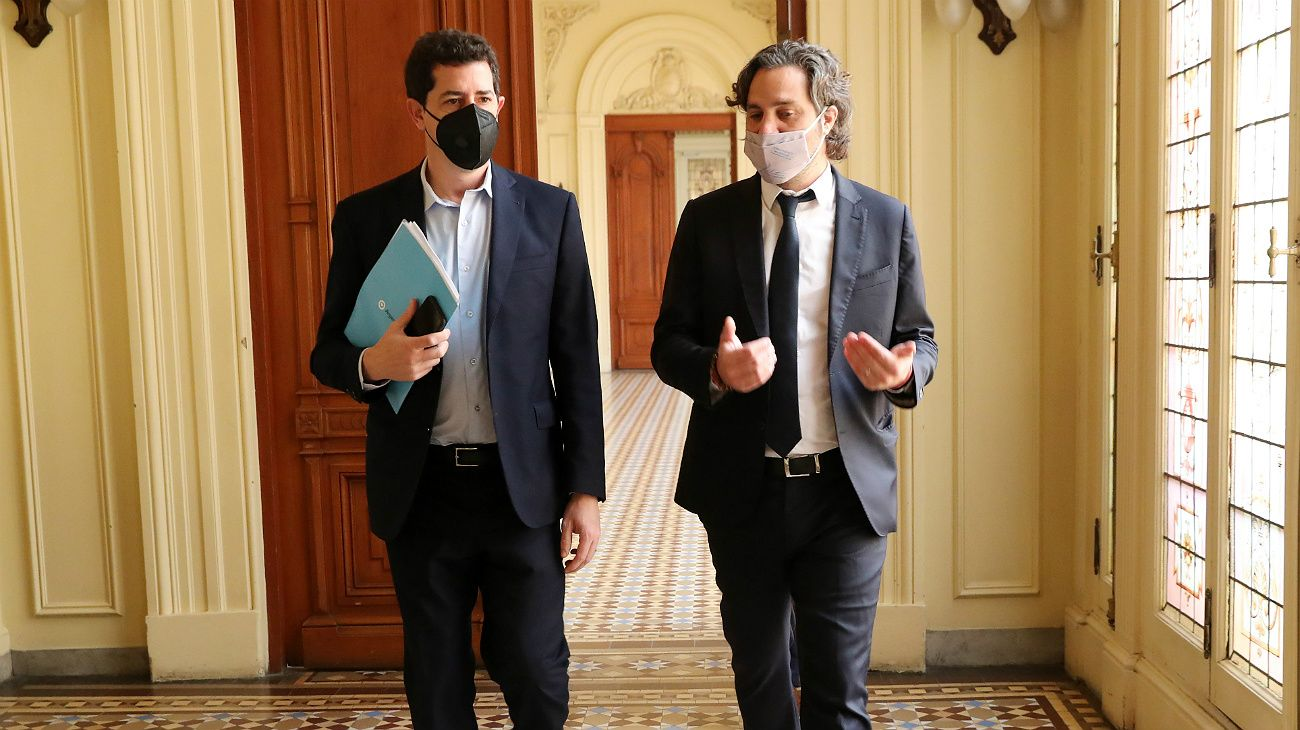 Santiago Cafiero junto a Eduardo de Pedro. Todo listo para la presentación del Presupuesto 2021.