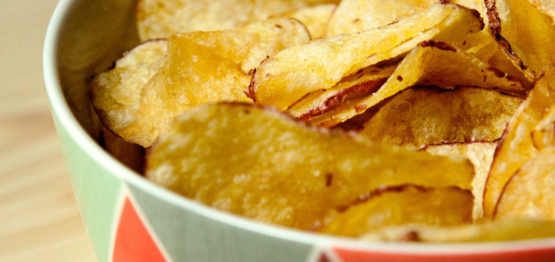 Una receta ingeniosa para este lunes 14: chips caseros de vegetales