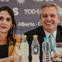 María Eugenia Bielsa junto a Alberto Fernández