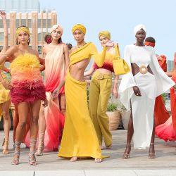Modelos posan para la presentación del Bronx & Banco en Nueva York. | Foto:Arturo Holmes / Getty Images para Bronx & Banco / AFP