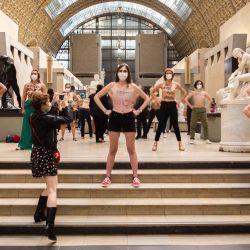 Protestas dentro del Museo de Orsay contra la violencia machista