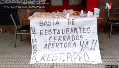 """Protesta de gastronómicos: """"Un 70% de locales no tienen lugar al aire libre y siguen cerrados"""""""