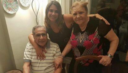 Samuel y Chiche con su nieta