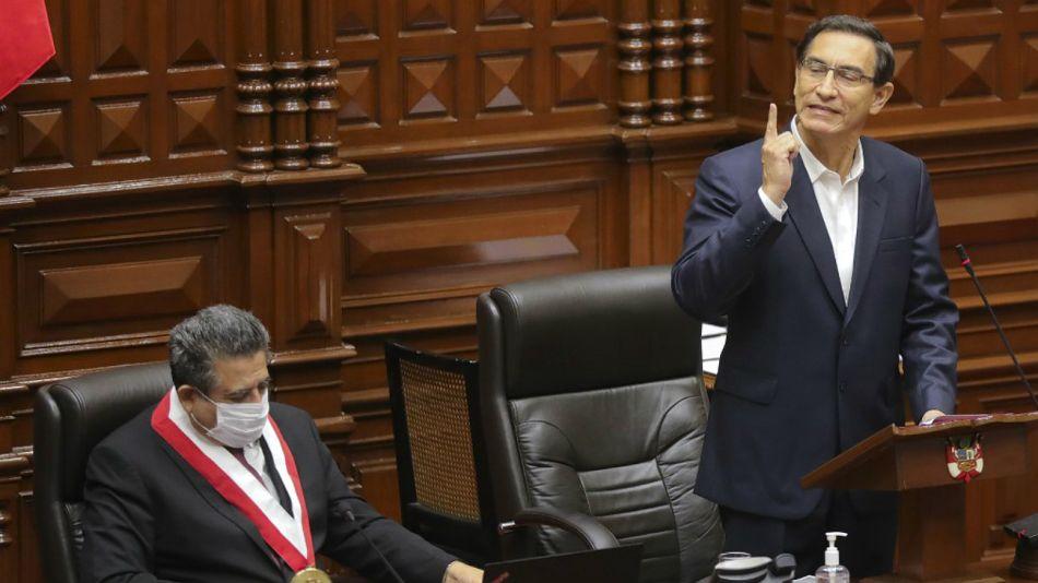 El presidente Vizcarra habla ante el Congreso peruano.