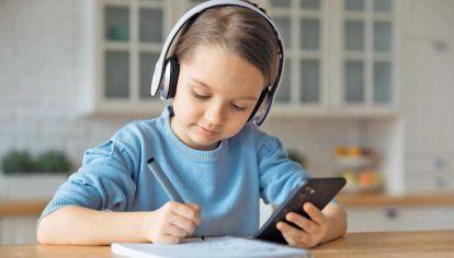 Escolaridad por celular. Destacada nota sobre el uso que docentes dan a la tecnología.