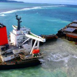 El buque navegaba sin carga, por lo que solo produjo un derrame de 1.000 toneladas de petroleo.