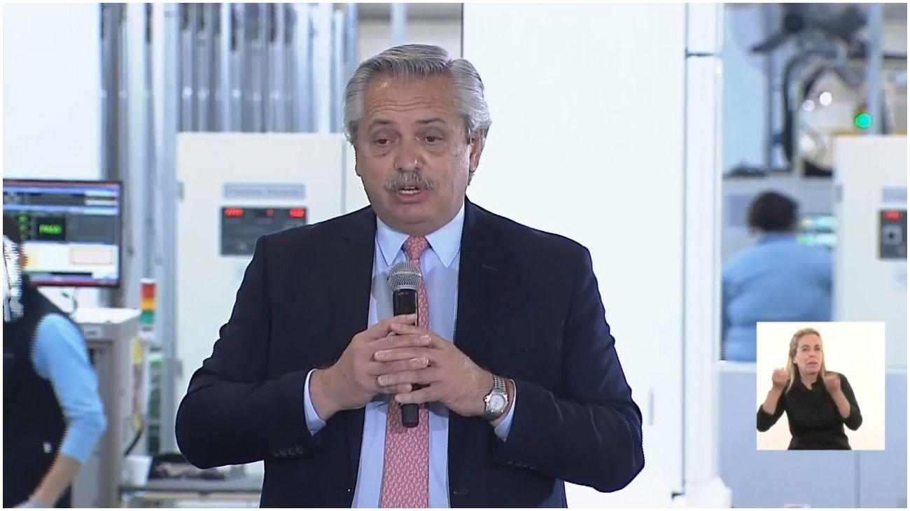 Alberto Fernández encabezó un acto en el Complejo Industrial Visuar.