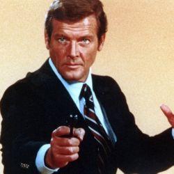 Las cinco armas robadas fueron utilizadas en varias películas de la saga protagonizada, entre otros, por Roger Moore.