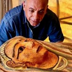 Los arqueólogos descubrieron a estos 14 sarcófagos en el mismo lugar que los anteriores.