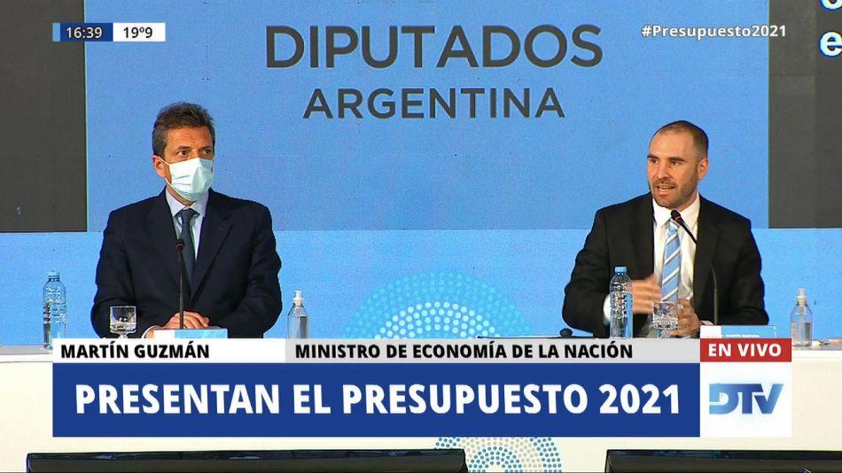 Guzman durante el acto fallido previo a la presentación del Presupuesto.