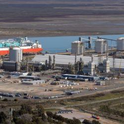 El proyecto también contempla el mejoramiento y/o renovación de vías en el tramo que va entre las localidades de Ingeniero White y el puerto de Bahía Blanca, una de las terminales.