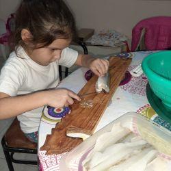 Camila despinando tarariras
