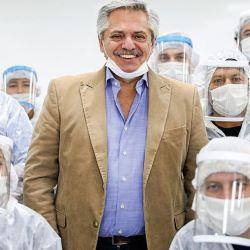 Alberto Fernández en visita a la empresa Barack Mercosul. | Foto:CEDOC