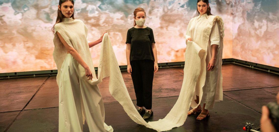 "Designers: Uzal presentó sus originales prendas ""germinables"""