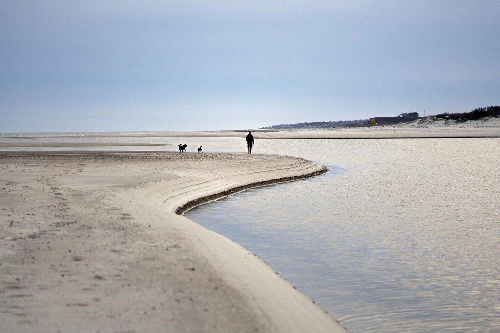 Postal de una las tantas playas de la costa uruguaya.