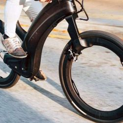 Las ruedas se basan en una estructura circular que funcionan como núcleo, que sostiene la cubierta y que también cumplen la tarea de la cámara de aire.