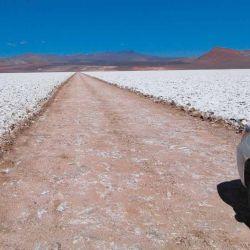 El Salar de Arizaro es la desolación absoluta, sin el menor rasgo de vida.