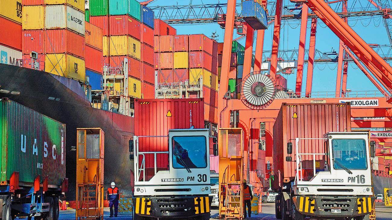 Intercambio. El superávit comercial acumula U$S 19 mil millones en los últimos doce meses.
