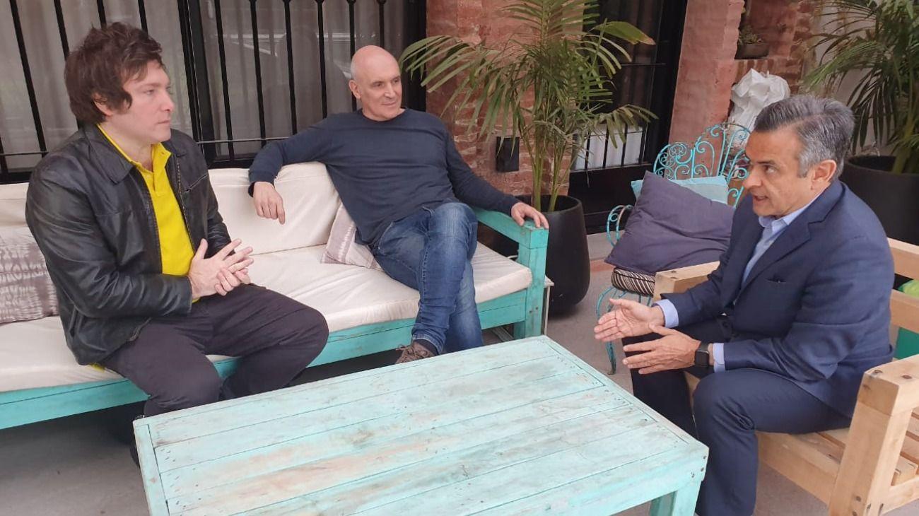 """Reunión """"liberal"""" entre Javier Milei, José Luis Espert y Luis Rosales."""