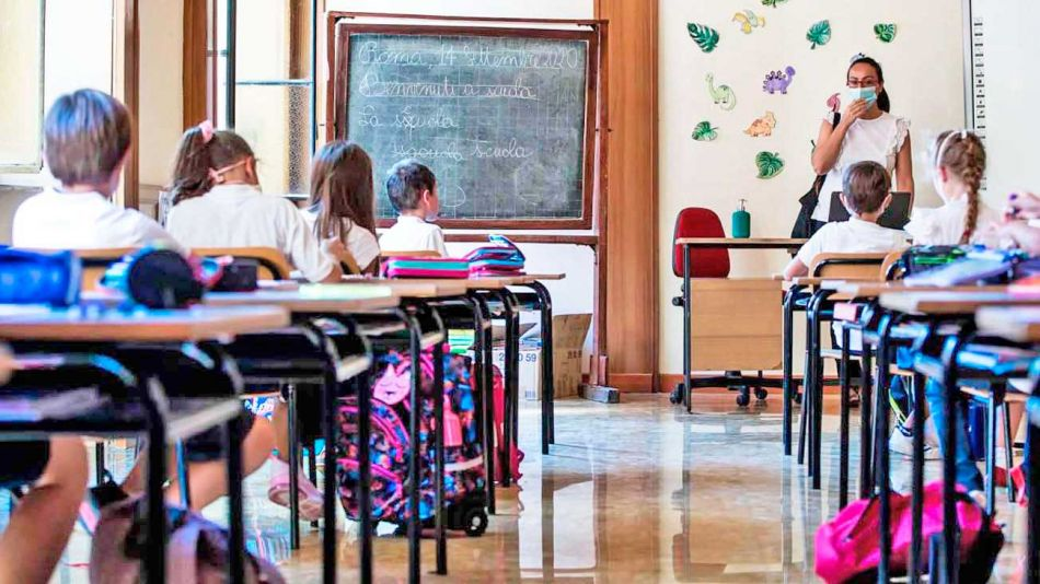 20200927_italia_clases_escuela_alumnos_cedoc_g
