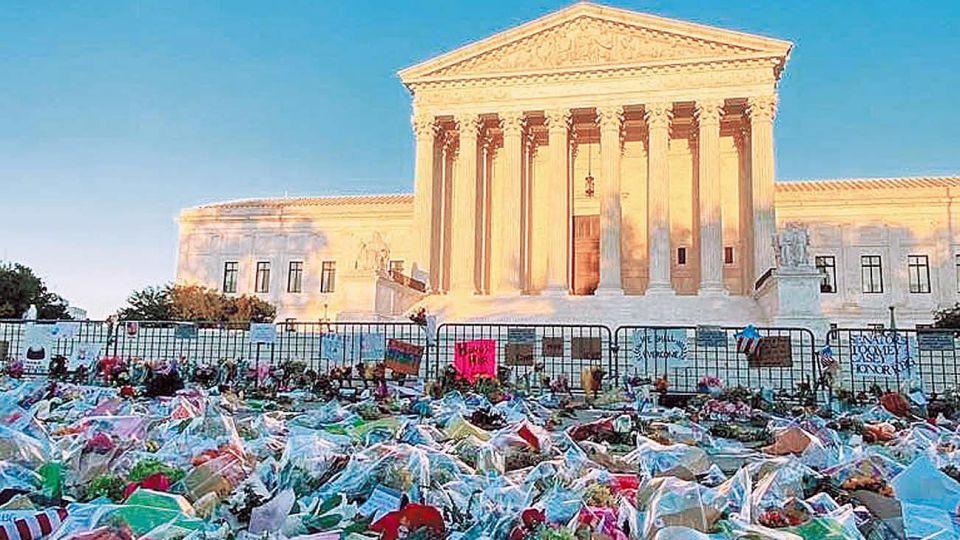 Washington. Homenaje a la magistrada frente a la sede de la Corte Suprema de EE.UU.