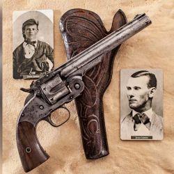 Revólver Smith & Wesson Nro. 3 en calibre .45 Schofield, que portaba Jesse James en el momento de su muerte.