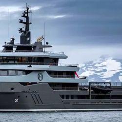 El Ragnar se destaca de otros buques recreativos por su capacidad para moverse por los lugares más recónditos del mundo.