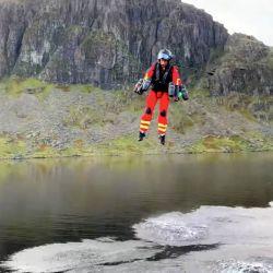 El jetpack ha sido diseñado especialmente para que los paramédicos puedan desplazarse rápidamente hacia el lugar de una emergencia.
