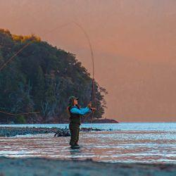 La pesca con mosca de truchas fue el origen de este pueblo. Y hoy sigue vigente como actividad.