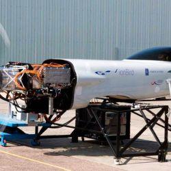 El fuselaje especial que se utiliza para las pruebas es conocido como ionBird.