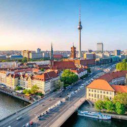 Pese a la pandemia del Covid-19, hoy, el pueblo alemán celebra los 30 años de la reunificación del país germano.
