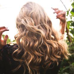 Prebióticos para el cuidado del cabello.