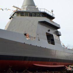 Enfocado en la protección marítima, puede llevar barcas de comando rápido.