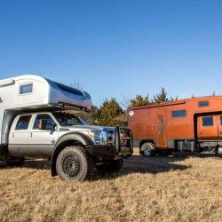 El camper tiene un aislamiento térmico de 6 cm de grosor, que mantiene el frío y el calor alejados del interior.