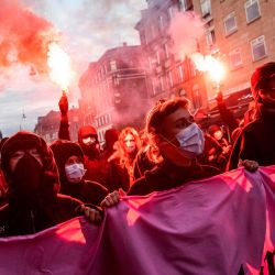 Los manifestantes marchan en Copenhague, en apoyo a los residentes del edificio okupado en la calle Liebig 34 en Berlín, que han sido desalojados.   Foto:Olafur Steinar Gestsson / Ritzau Scanpix / AFP