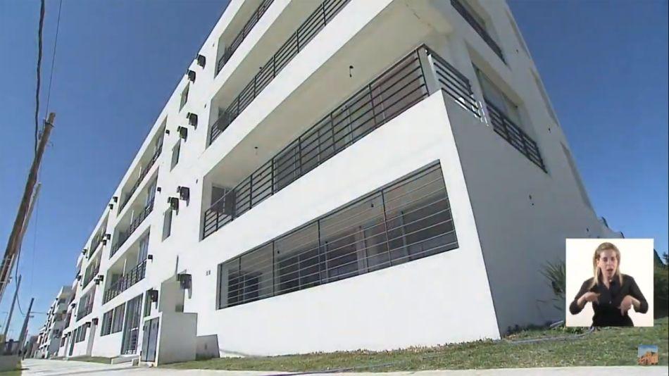El presidente entregó viviendas Procrear 20201009