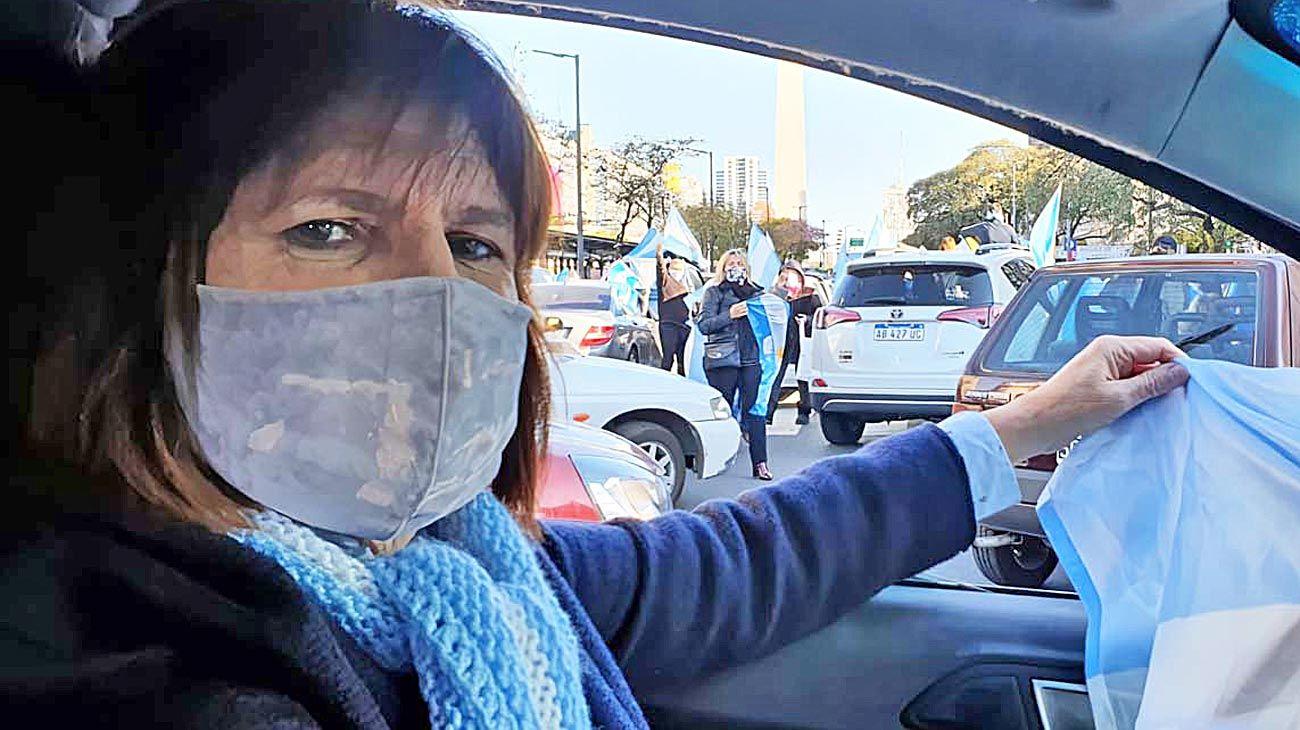 Tapabocas. Es una de las dirigentes más activas para convocar a las marchas críticas al Gobierno.