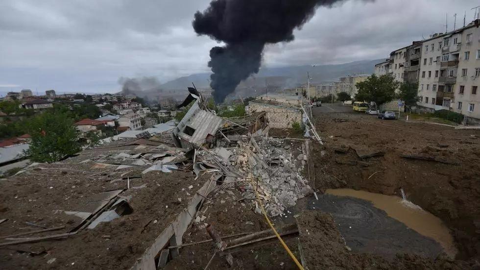 EN GUERRA. Nagorno Karabaj, el territorio en conflicto, fue bombardeado en las últimas semanas.